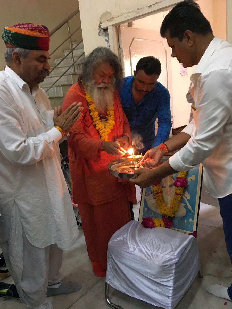 Vishwaguruji in Sumerpur 05
